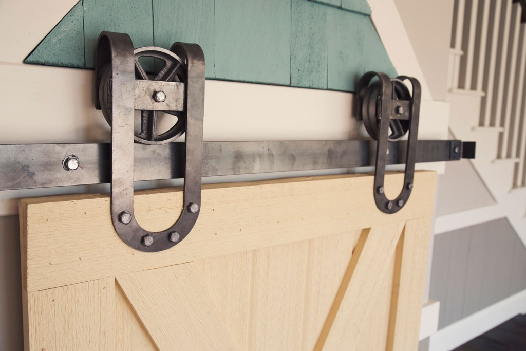 Horseshoe Vintage Sliding Barn Door Hardware