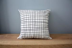 "18"" Organic Cotton Pillow - Plaid"