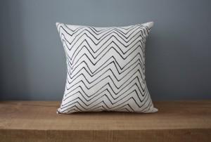 "18"" Organic Cotton Pillow - Chevron"